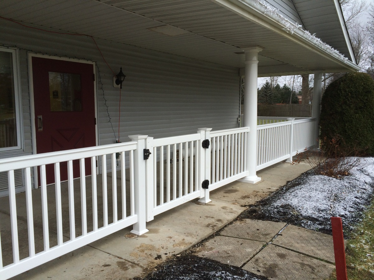 VR 3 oxford railing with gate